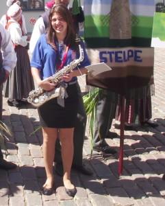 Dziesmu svētki 2013 - Aleksandra Hadžimoratova ar saksofonu