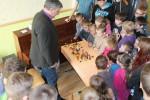 Bildes: Stikla pūtēji no Ventspils viesojas Stelpes skolā